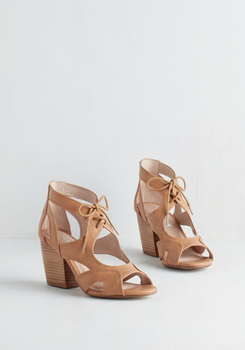 Stacked Versus Fiction Heel