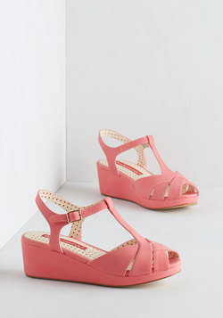 Lovely as Lemonade Wedge in Strawberry