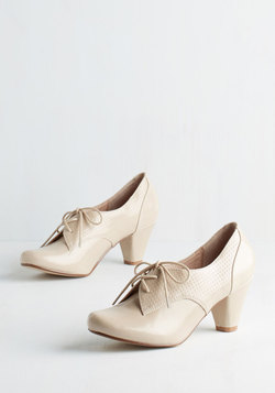 Swing Along Heel in Cream