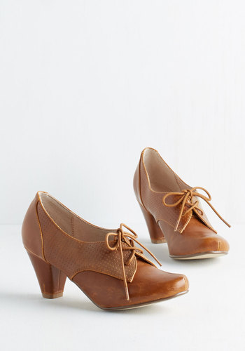 Swing Along Heel in Bourbon