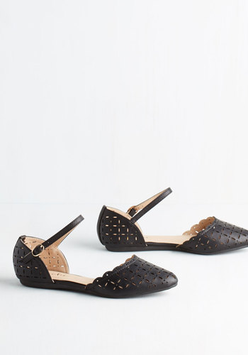 Value of Versatility Flat in Black