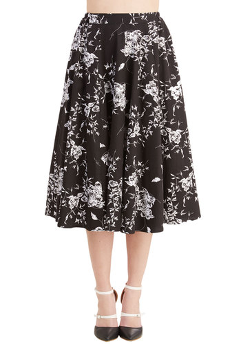Benefit of the Flounce Skirt in Black Floral