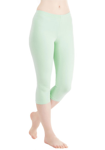 Rise to the Crop Leggings in Mint
