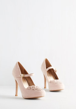 Definitive Drama Heel in Blush