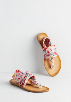 Stay in the Loop Sandal in Painterly Floral