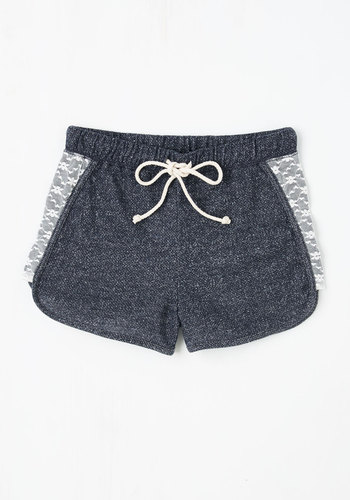 Laid-back in the Day Shorts in Navy
