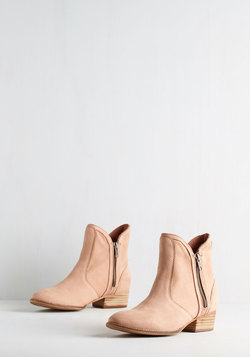 Seychelles Lucky Penny Bootie in Soft Pink