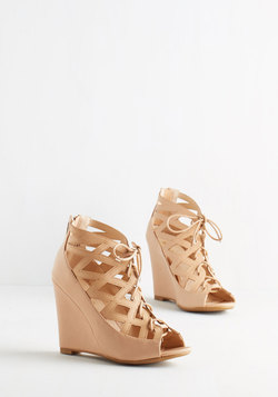 Vixen Match Wedge in Tan