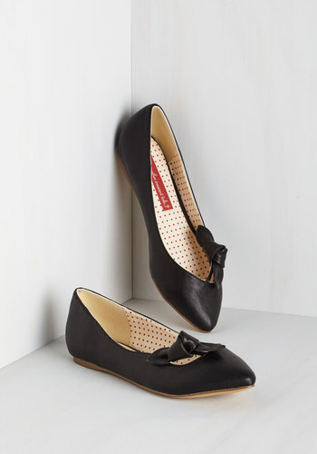 Take on Timeless Flat in Noir