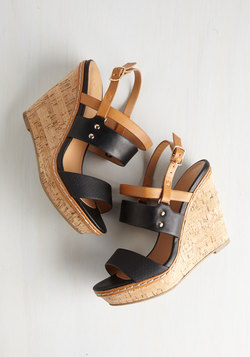 Keep Up the Good Cork Wedge in Noir
