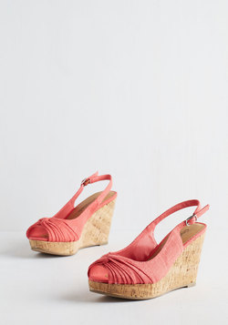 All In Good Fundamentals Wedge in Coral