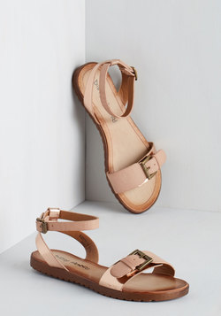 Luminosity of Lights Sandal in Gold