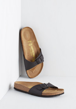 Zest Foot Forward Sandal in Noir