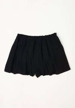 Discovery Little Thing Shorts in Noir