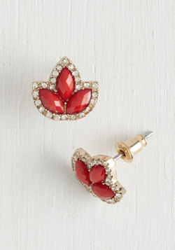 Pure Pizzazz Earrings in Red