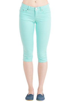 Crop to It! Jeans in Mint