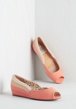 Three Tones a Lady Wedge in Peach