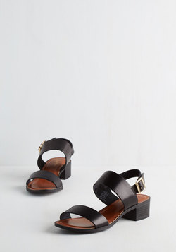 Cassiopeia Sandal in Black