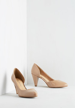 Treasure Stroll Heel in Tan