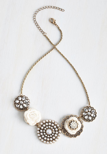 Rosette Quintet Necklace in White