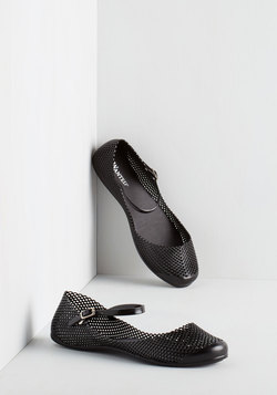 Rivulet it Roll Flat in Black