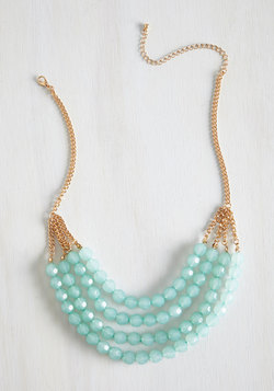 Tier to Stay Necklace in Mint