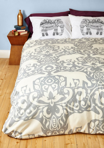 Trunk Beds Duvet Cover in Full/Queen