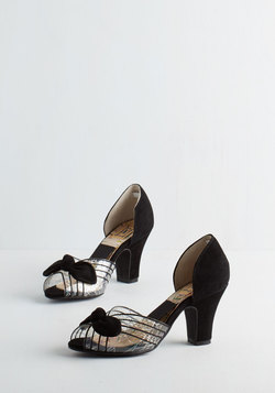 Just Be Cosmopolitan Heel in Noir