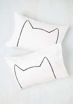 Feline Sleepy Pillowcase Set