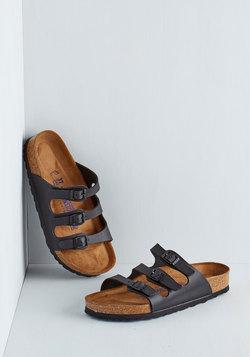 Strappy Feet Sandal in Black