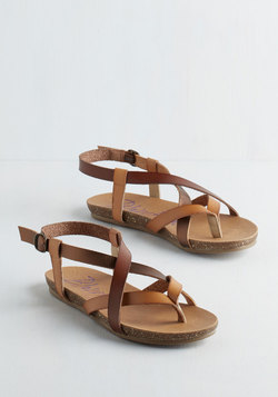 Everyday Nonchalance Sandal in Acorn