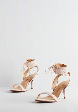 Synchronized Strutting Heel in Blush