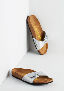 Zest Foot Forward Sandal in Silver