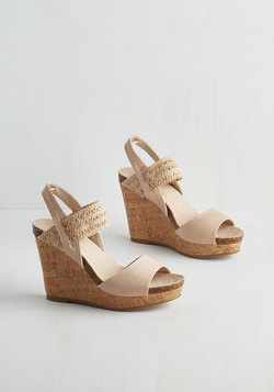 Good Cruise of Your Time Sandal in Beige