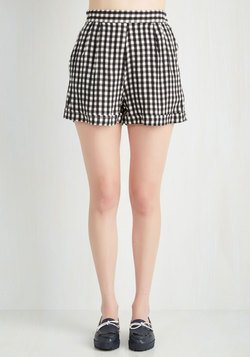 I Think, Therefore I Gingham Shorts in Black