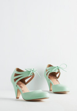 Shimmy My Way Heel in Mint