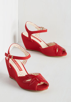 Freshly Cut-Out Flower Wedge in Crimson
