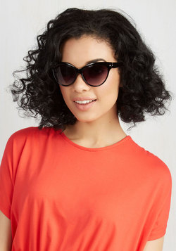 A Classic Treat Sunglasses in Black
