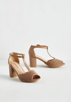 Dance Floor Diva Heel in Taupe