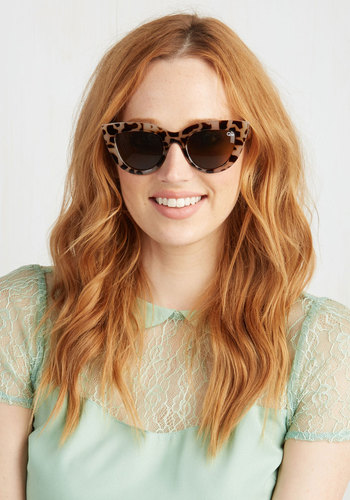 Just UV Wait and See Sunglasses in Tortoiseshell by Quay - Animal Print, Variation