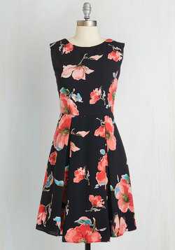 Garden Party Panache Dress in Noir
