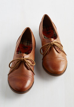 Readily Reliable Flat in Caramel