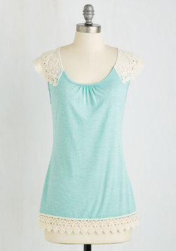Grace and Lace Top in Mint