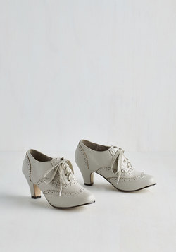 Dance Instead of Walking Heel in Grey