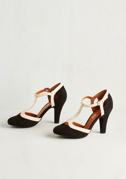 No Limit on Lovely Heel in Monochrome