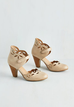 Upswing in Your Step Heel in Latte