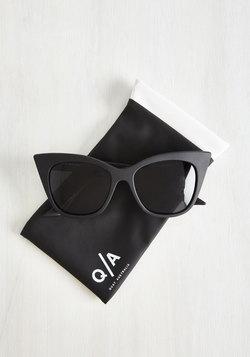 Modern Love Of My Life Sunglasses in Noir