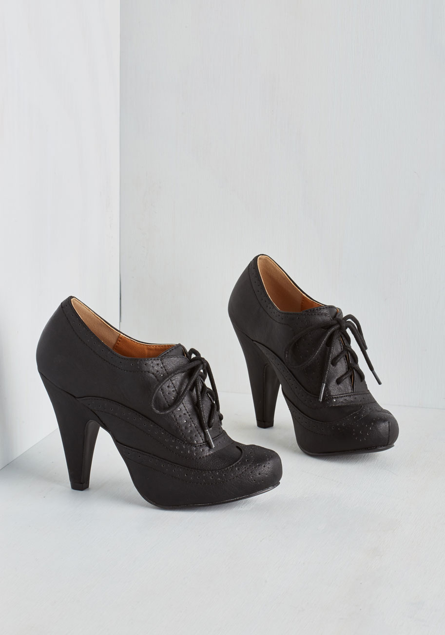 Black Lace Up Oxford Heels