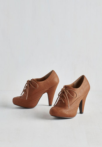 Flying First-Sass Heel in Cognac