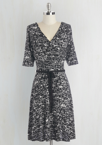 Thatch Thing You Do Dress - Black, Print, Belted, Work, Casual, A-line, 3/4 Sleeve, Knit, Good, V Neck, Mid-length, White